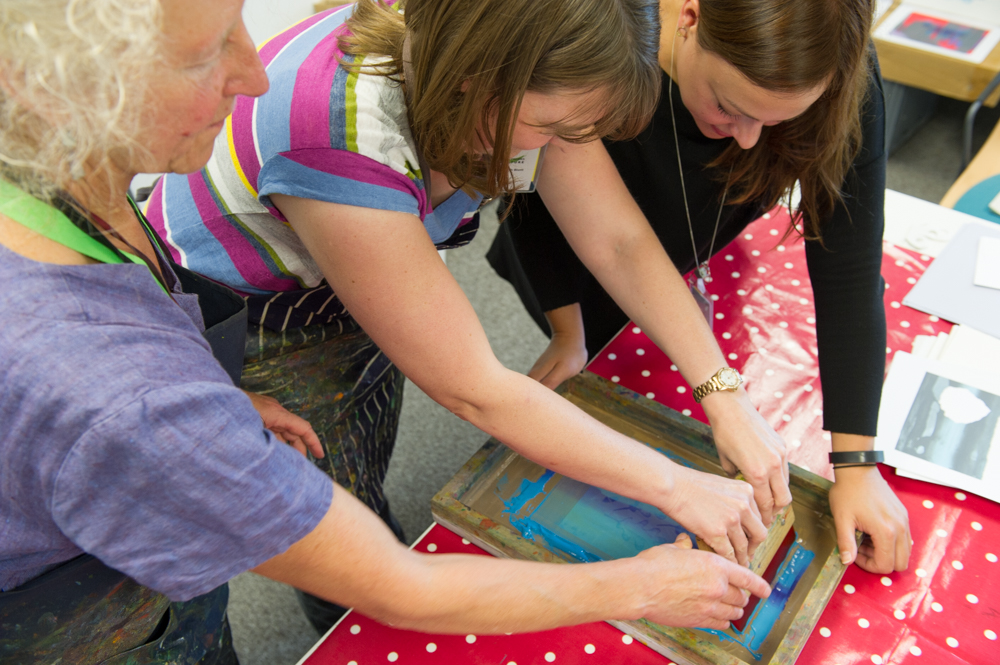 Carry Akroyd, and participants in the printing workshop © Cheryl-Samantha Owen
