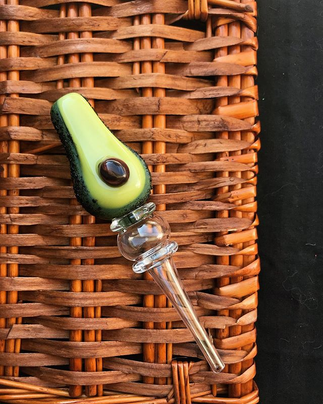 @empireglassworks nectar collector 🥑🥑 I've never tried honey with my avocados but I totally will now 😛 #nectarcollector #empireglassworks #avocado