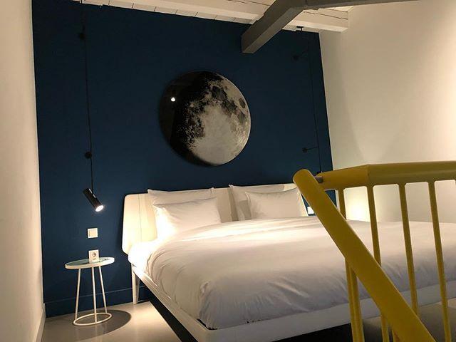 Good night from Amsterdam 💤 #amsterdam #goodnight @conscioushotels #interior #interiordesign #moon #travel