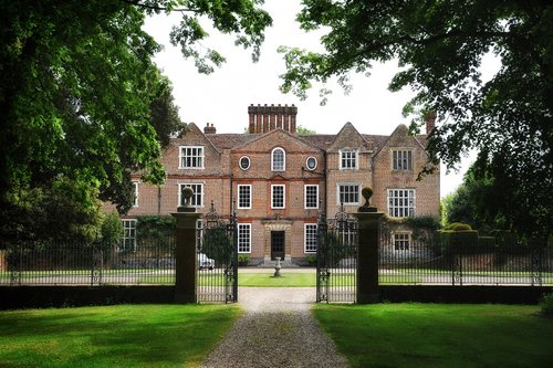 Knowlton Court