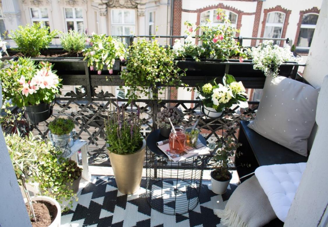 mini-stadt-balkon-styling-7-1024x709.jpg