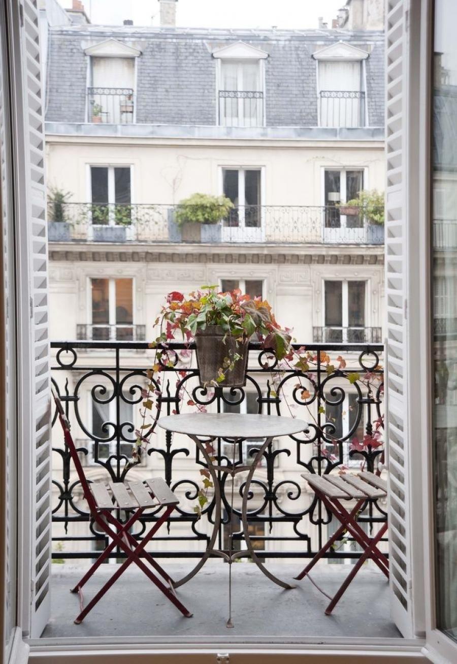 Parisianbalcony.jpg