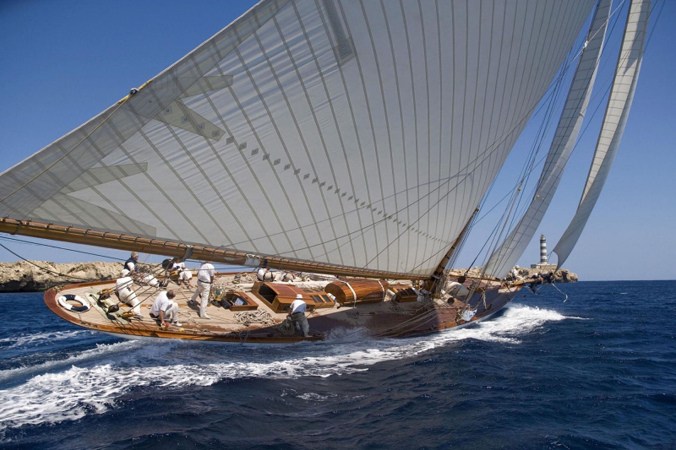 Classic Yacht Sails   UK Sailmaker   Cowes — Ratsey and Lapthorn