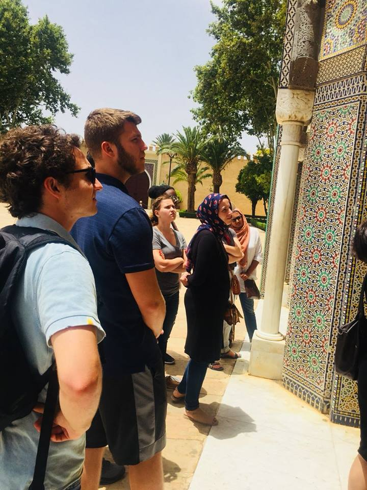 Students touring the royal Palace of Fez. Photo Credit: AMIDEAST, 2018