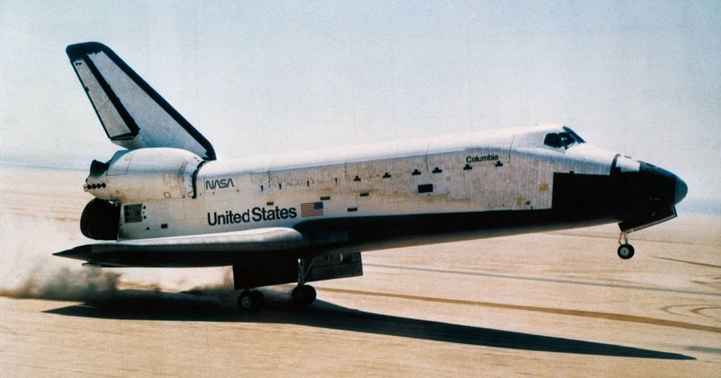 Space Shuttle  Columbia 's first landing at NASA's Dryden Flight Research Center in 1981. (Source: National Naval Aviation Museum)
