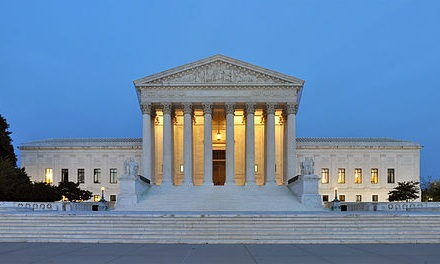512px-Panorama_of_United_States_Supreme_Court_Building_at_Dusk.jpg