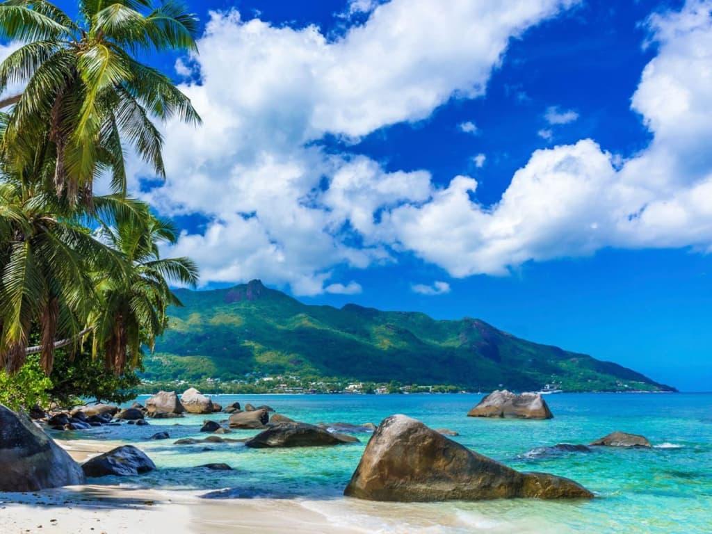 yachtEA-Seychelles.001.jpeg