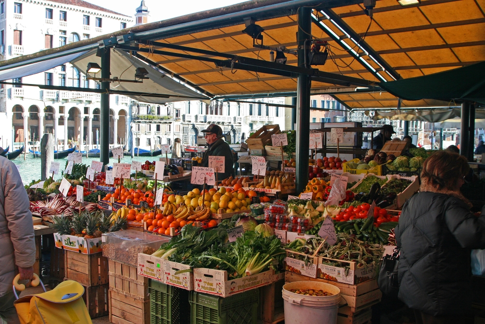 rialto-fruit-veg-market.jpg