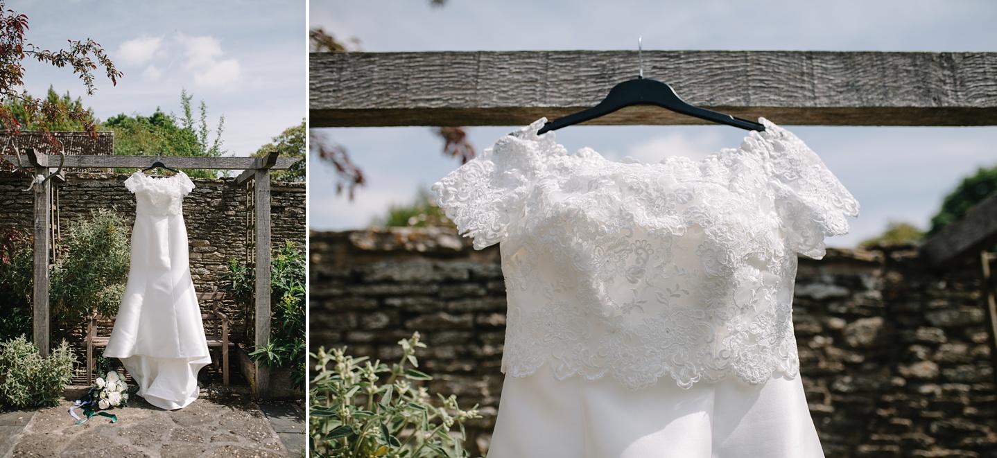 Oxleaze-Barn-Wedding-Photographer_0002.jpg