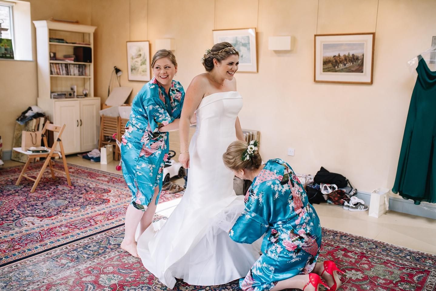 Oxleaze-Barn-Wedding-Photographer_0015.jpg