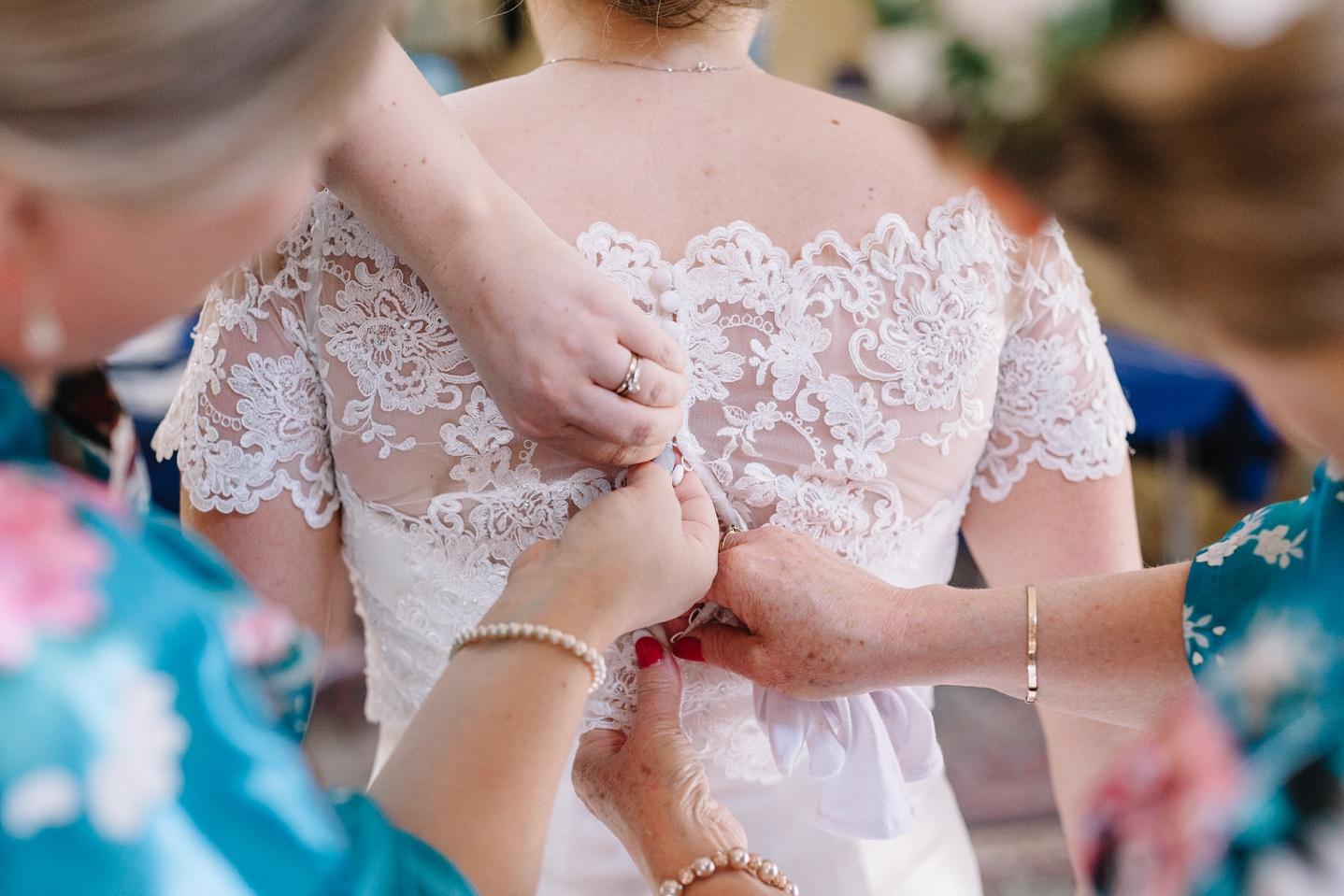 Oxleaze-Barn-Wedding-Photographer_0019.jpg