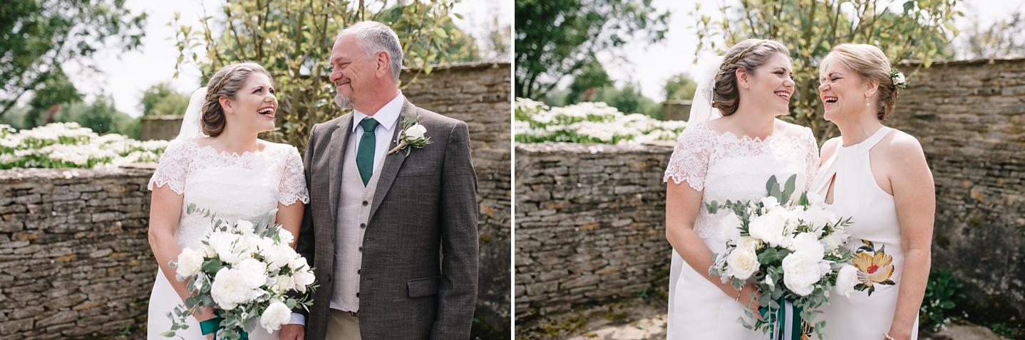 Oxleaze-Barn-Wedding-Photographer_0030.jpg