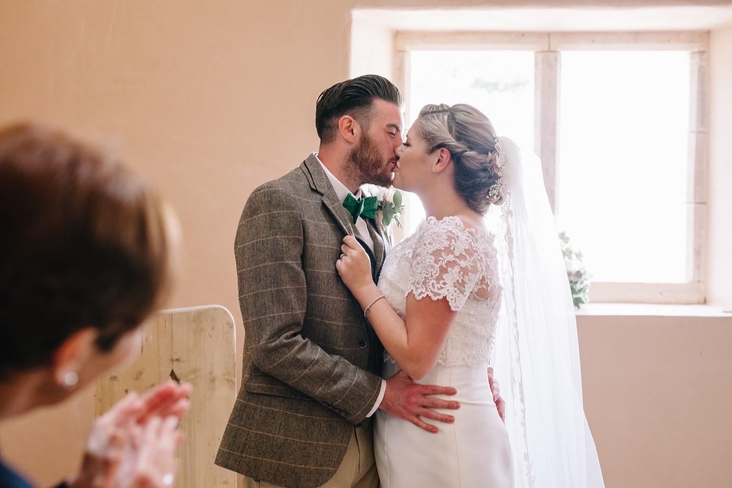 Oxleaze-Barn-Wedding-Photographer_0052.jpg