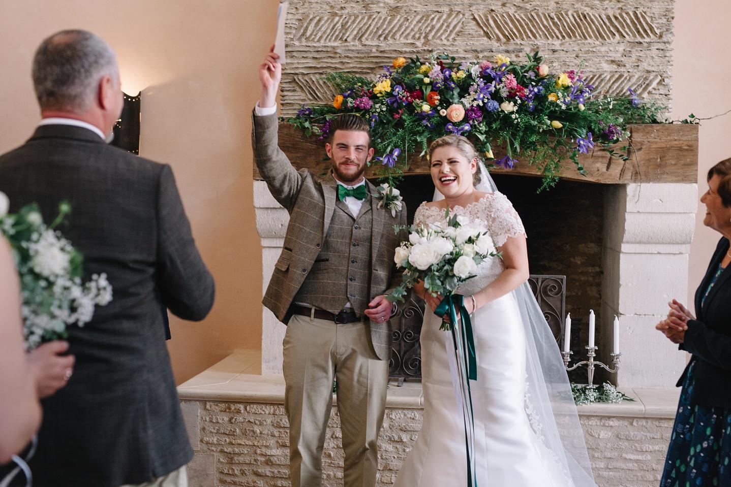 Oxleaze-Barn-Wedding-Photographer_0056.jpg