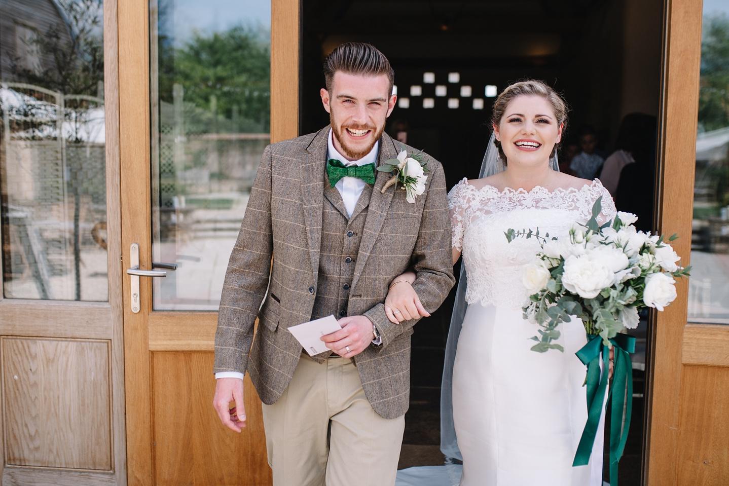 Oxleaze-Barn-Wedding-Photographer_0058.jpg