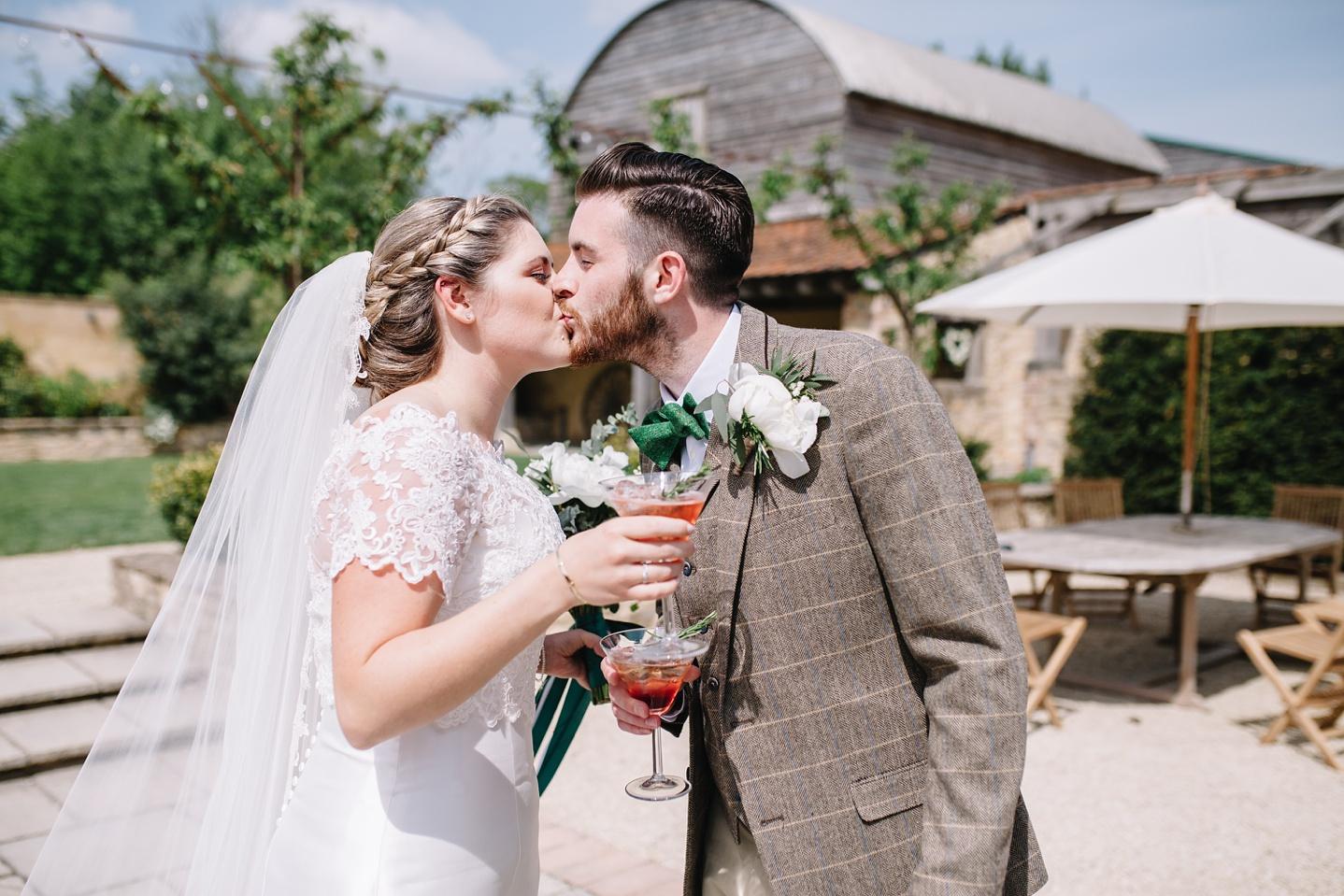 Oxleaze-Barn-Wedding-Photographer_0060.jpg