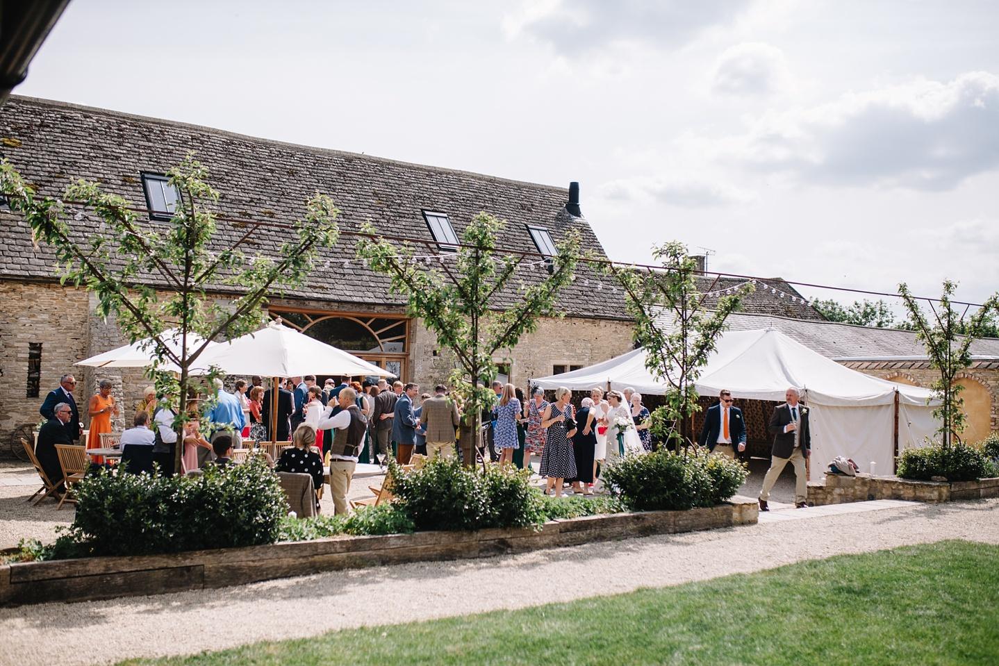 Oxleaze-Barn-Wedding-Photographer_0061.jpg