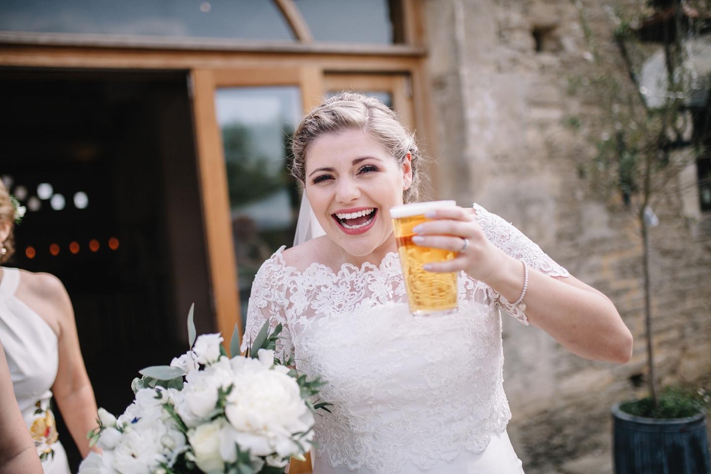 Oxleaze-Barn-Wedding-Photographer_0078.jpg