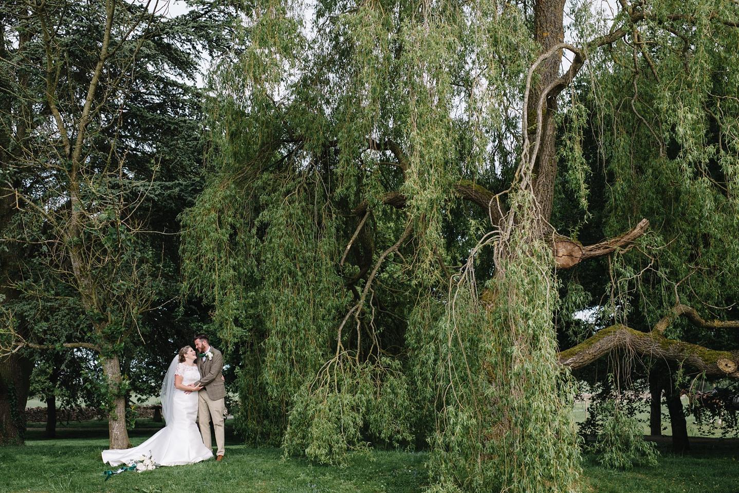 Oxleaze-Barn-Wedding-Photographer_0095.jpg