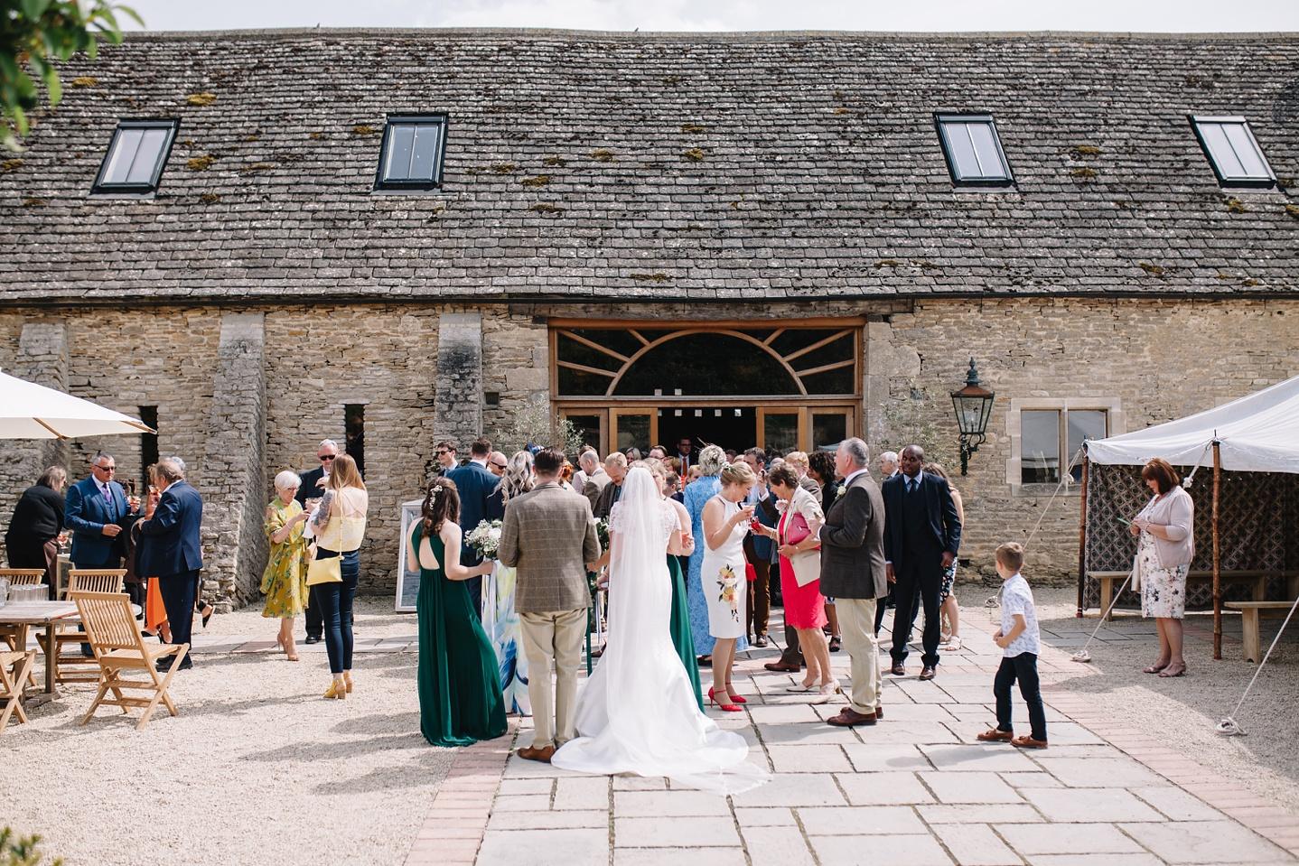 Oxleaze-Barn-Wedding-Photographer_0098.jpg