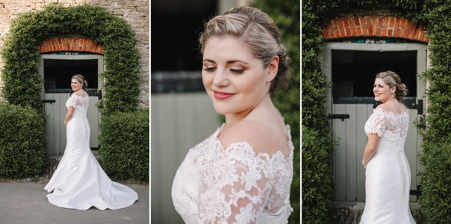 Oxleaze-Barn-Wedding-Photographer_0123.jpg