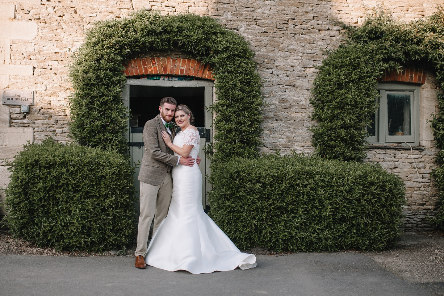 Oxleaze-Barn-Wedding-Photographer_0124.jpg