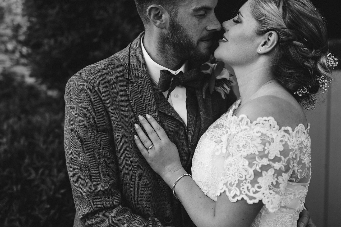 Oxleaze-Barn-Wedding-Photographer_0126.jpg