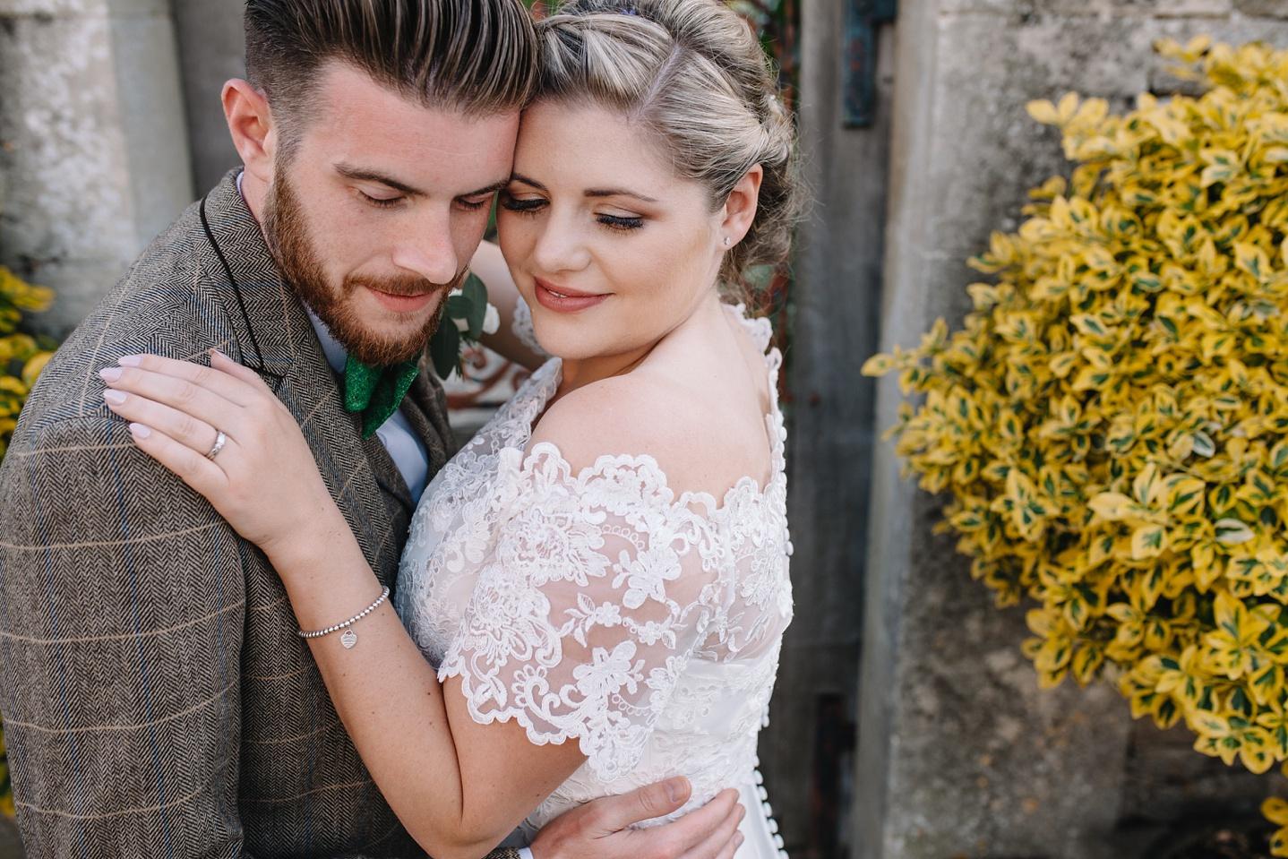 Oxleaze-Barn-Wedding-Photographer_0132.jpg