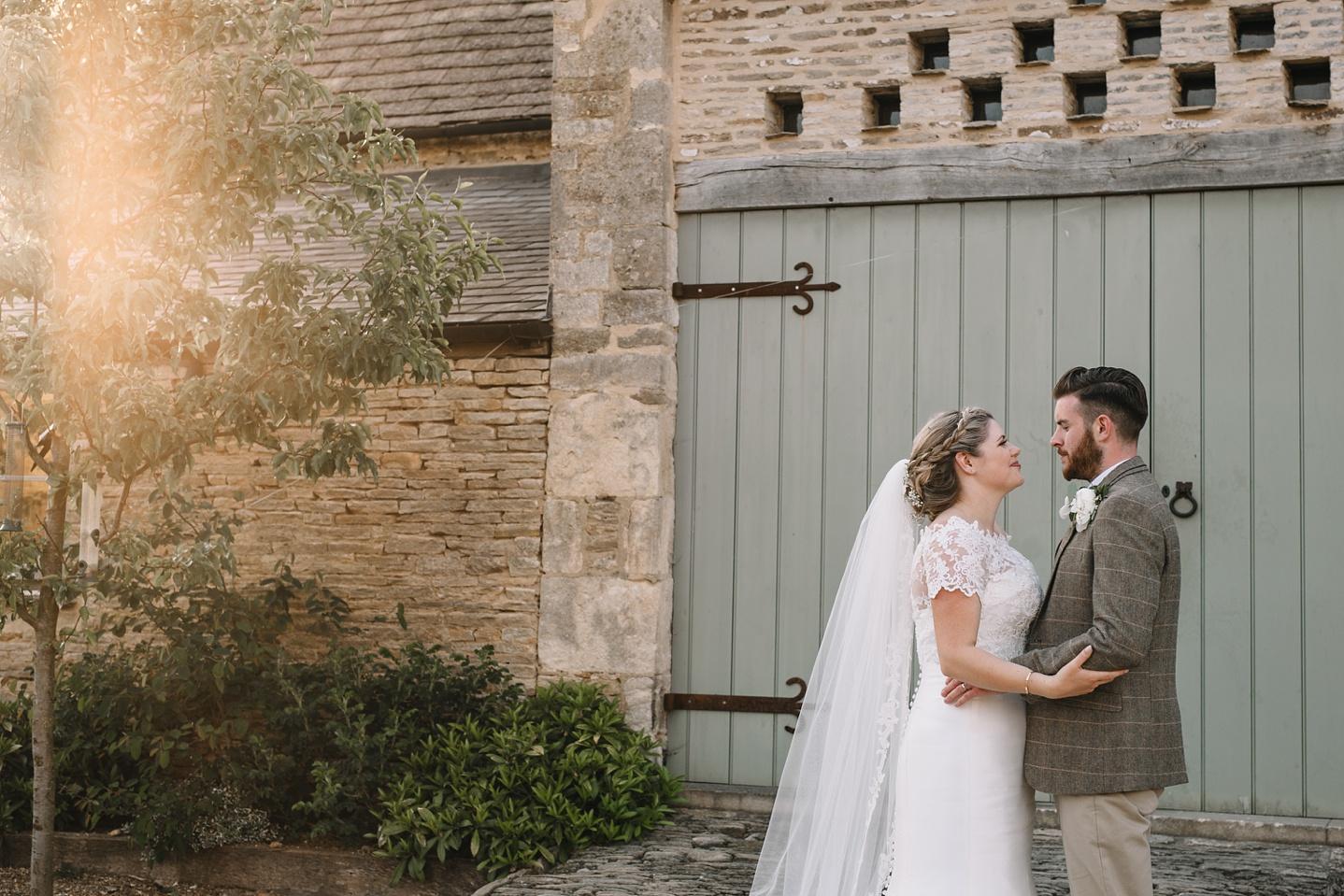 Oxleaze-Barn-Wedding-Photographer_0137.jpg