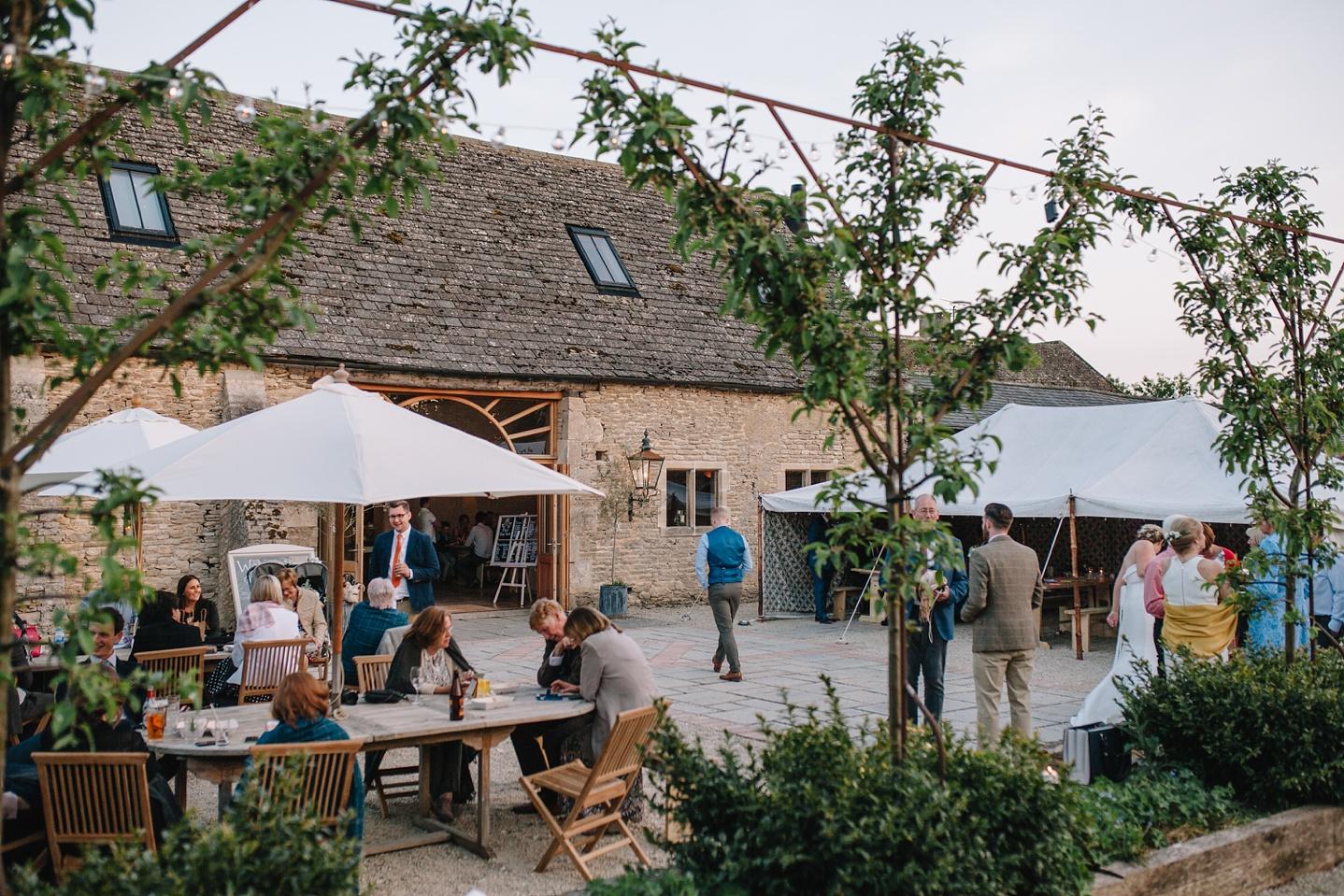 Oxleaze-Barn-Wedding-Photographer_0144.jpg