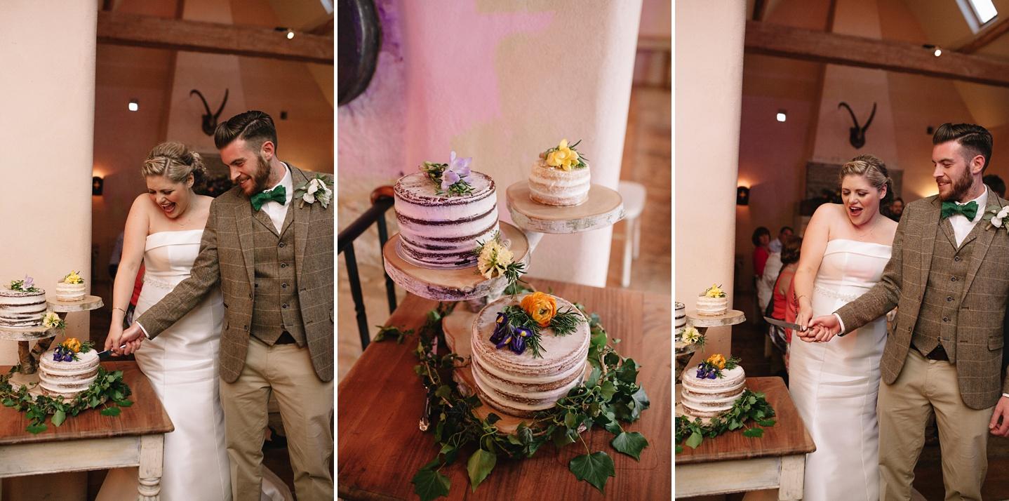 Oxleaze-Barn-Wedding-Photographer_0146.jpg