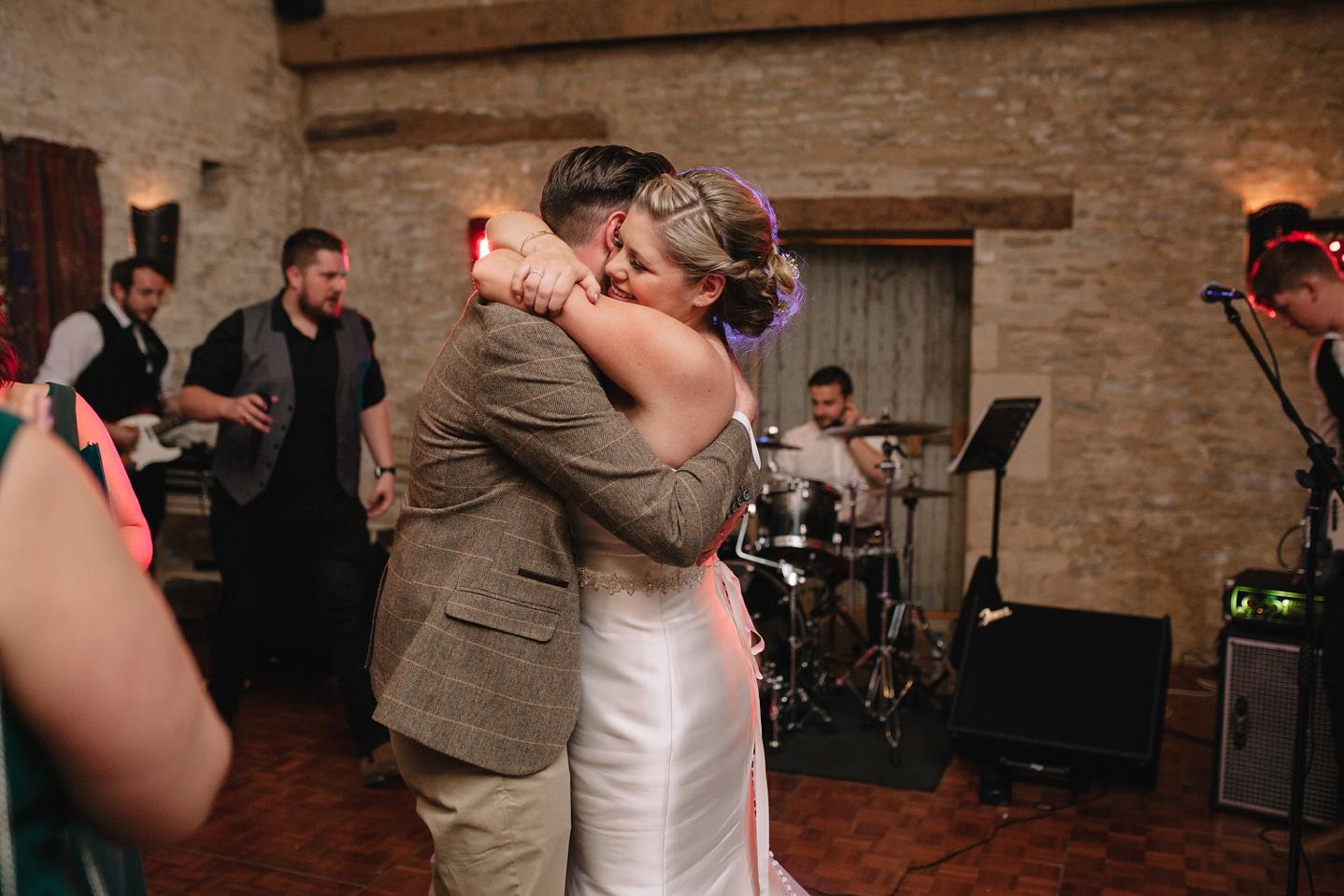 Oxleaze-Barn-Wedding-Photographer_0152.jpg