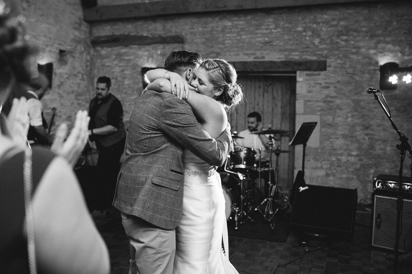 Oxleaze-Barn-Wedding-Photographer_0154.jpg