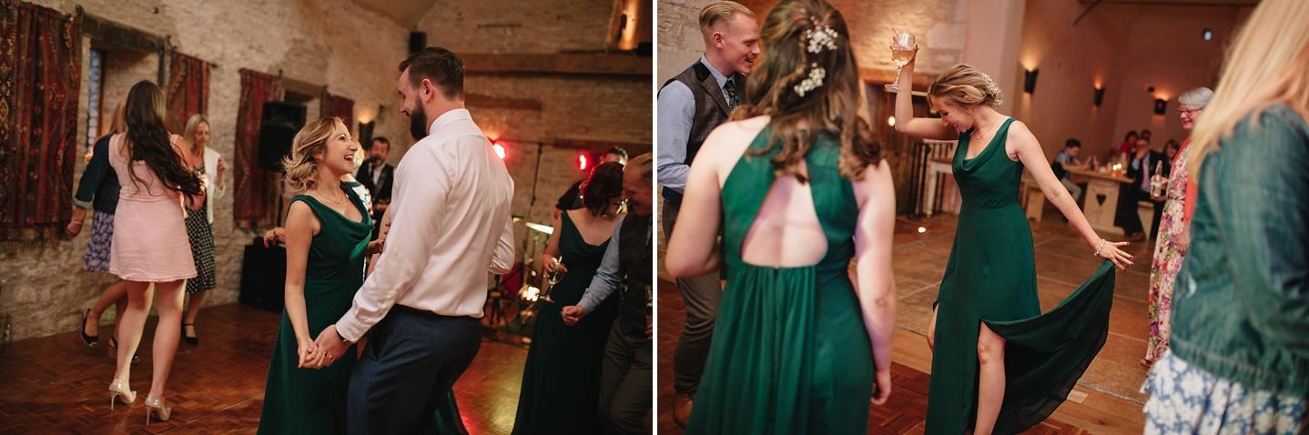 Oxleaze-Barn-Wedding-Photographer_0157.jpg
