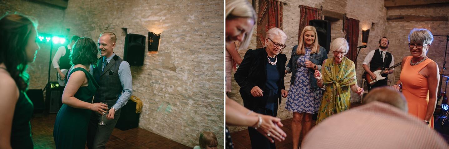 Oxleaze-Barn-Wedding-Photographer_0160.jpg
