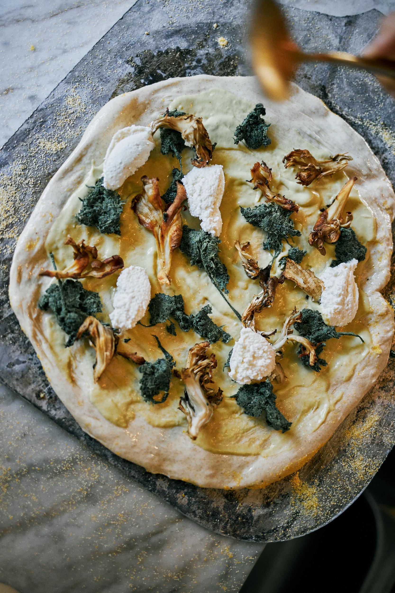 White Base Pizza