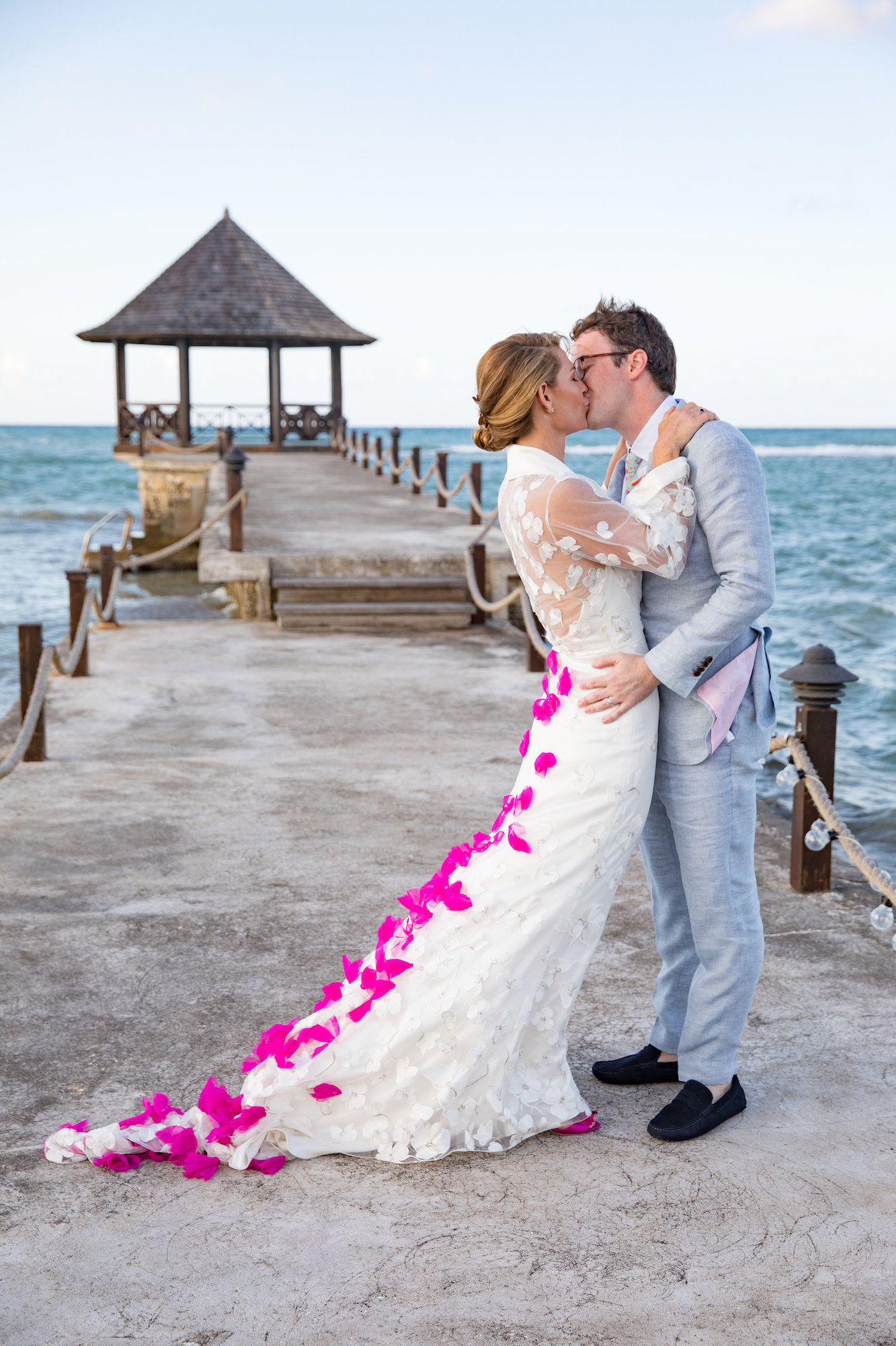 Kiss on the Pier.JPG