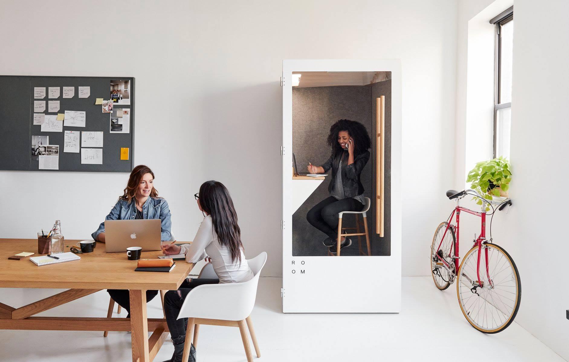 roomphonebooth.jpg