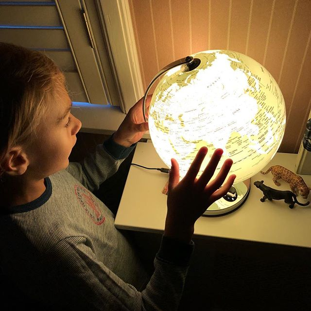 'He's got the whole world in his hands' Pure parenting offers personal help and guidance for any questions that you may have about raising young children - no matter where you are on the globe! We look forward to hear from you.  #parenthood #parenting #pureparenting #parentsupport #everyparenthasquestions  #livingabroad #expatlife
