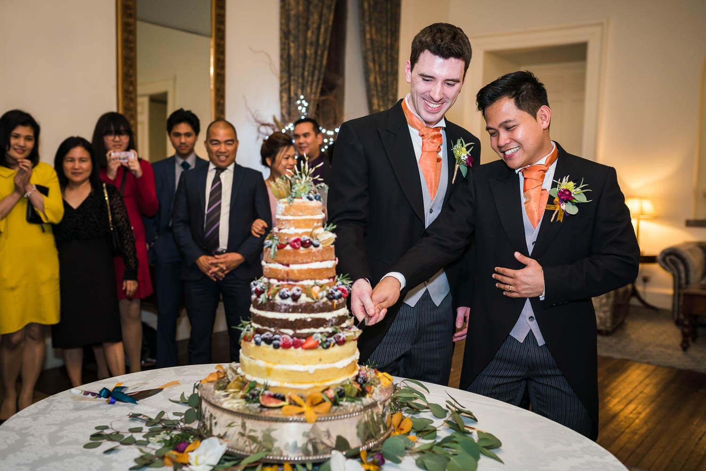 gloucestershire-wedding-photography-clearwell-castle-blog-76.jpg