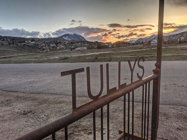 Insider's tip: It's about to get quite busy in town...⠀ ⠀ Escape the crowds and head to @tullyscbsouth for some great food and weekly live music!⠀ .⠀ .⠀ .⠀ #thingstodoincrestedbutte #onlyincrestedbutte #crestedbuttesouth #coloradosunset #tullys #tacotuesday #whattodoincrestedbutte #crestedbuttelivemusic #crestedbutterestaraunt #wheretoeatincrestedbutte #vailsouth #westslopebestslope #crestedbutterealestate #livinginparadise #sliceofparadise #findyourdreamhome #thiscouldbeyou #crestedbutterealty #crestedbuttebound #gunnisoncrestedbutte #visitcrestedbutte #visitgcb #gunnisoncrestedbutte #gunnisonvalley #crestedbuttefavorite #localsfavorite #escapethecrowds #skicb #crestedbuttemountain