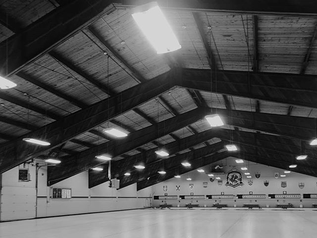 A break from our usual to share our office Christmas party tonight at St. George's! First time curling for many... . . . #setlessarchitecture #curling #officeparty #christmasparty #countryclub