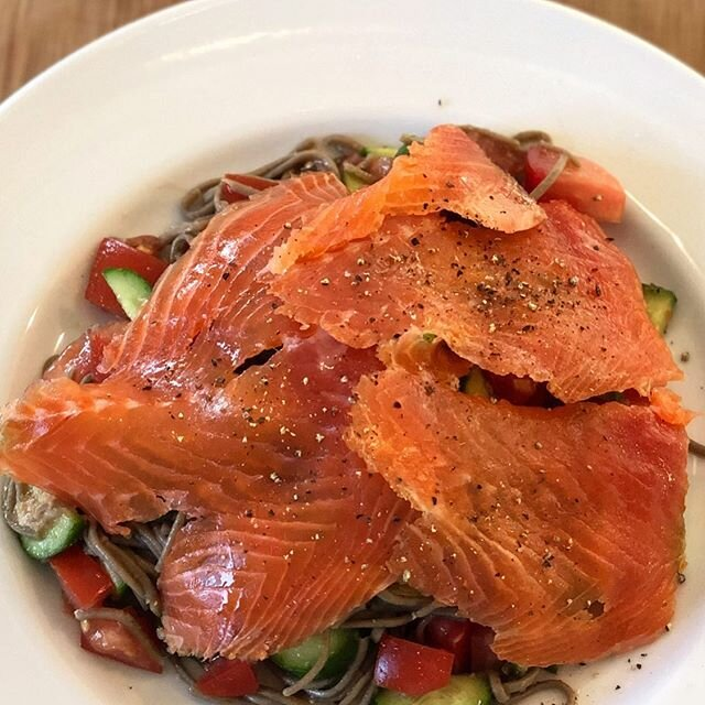 Some incredibly delicious Cold Smoked Steelhead on a simple Soba Noodle, Cuke and Tomato Salad, lightly tossed with lemon juice and tamari #youarewhatyoueat #bekind @newyorksteelheadhv