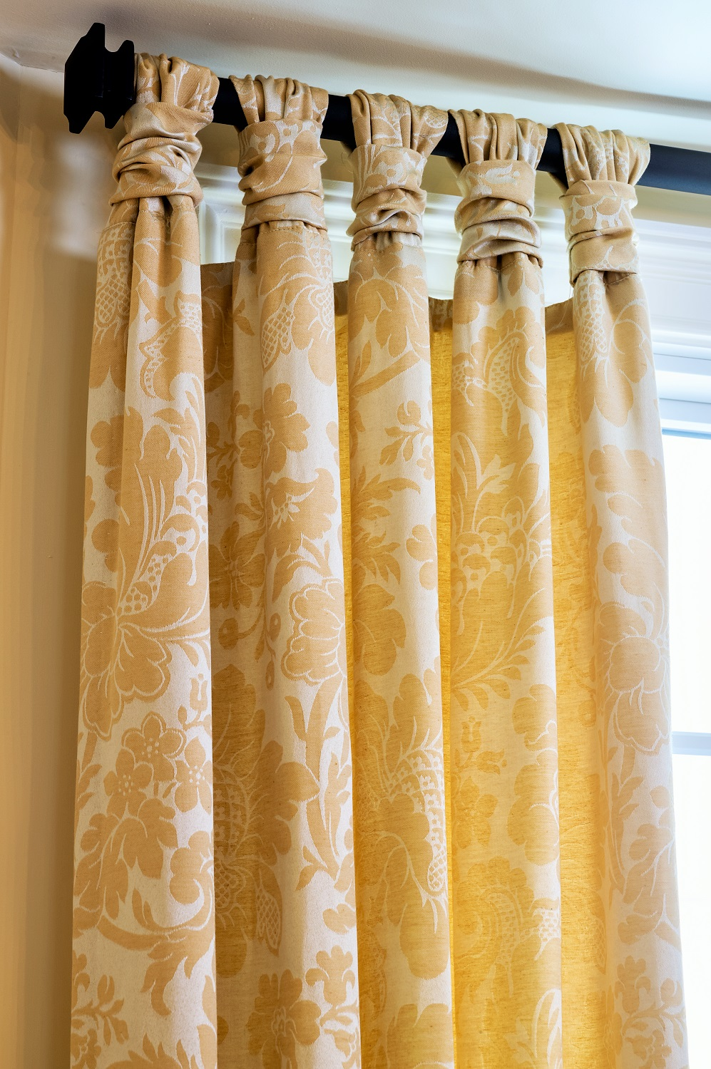 interior-design-color-window-treatments-franklin-lakes-new-jersey-4.jpg