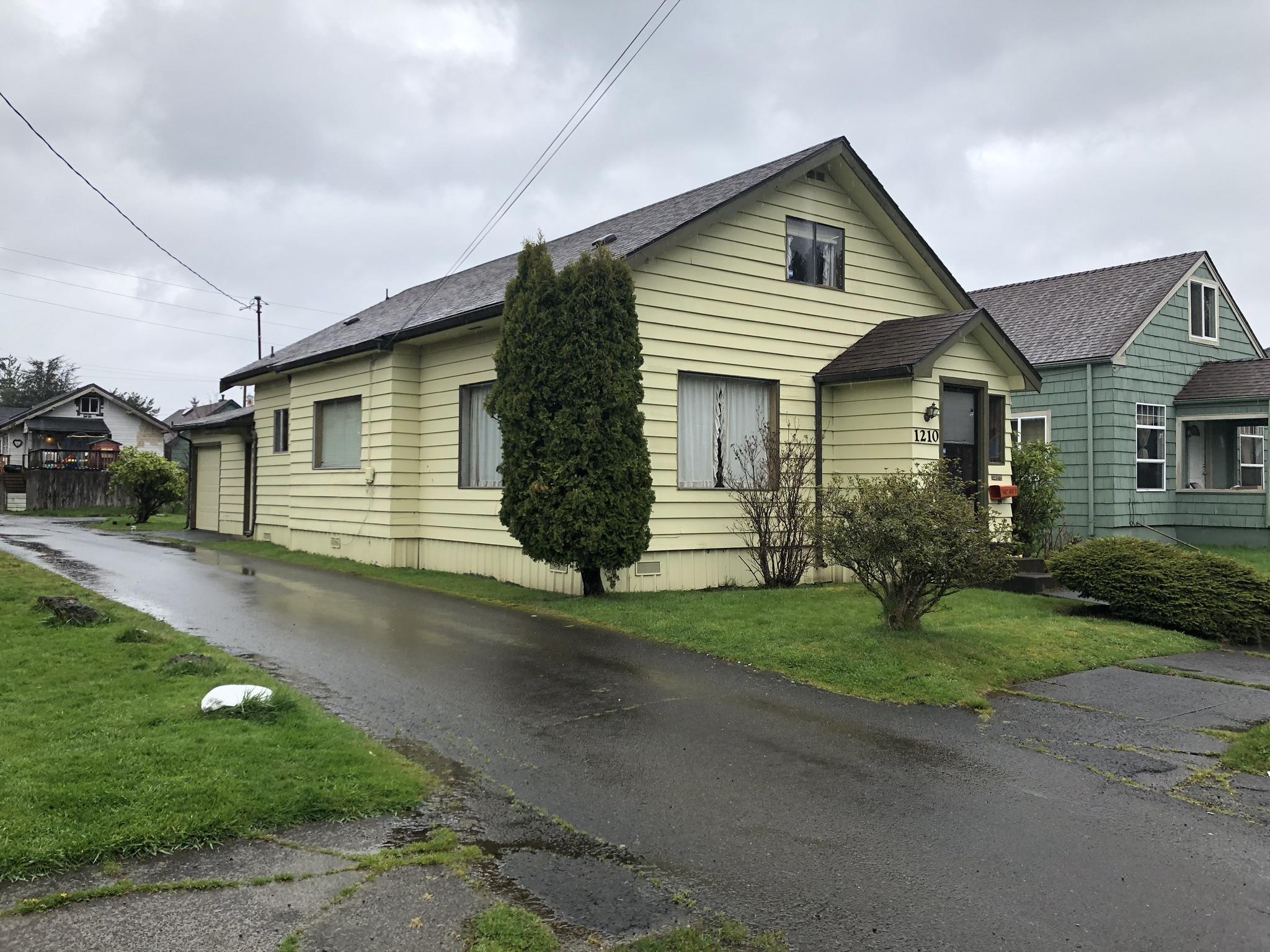 Cobain home in Aberdeen.jpg
