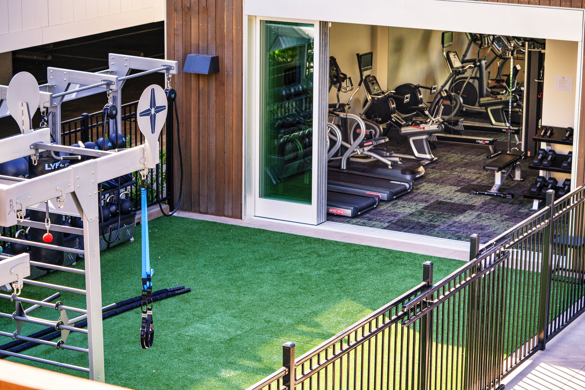 Sharon Green Menlo Park_Clubhouse with Indoor Outdoor Fitness Center_190926_1628_l.jpg