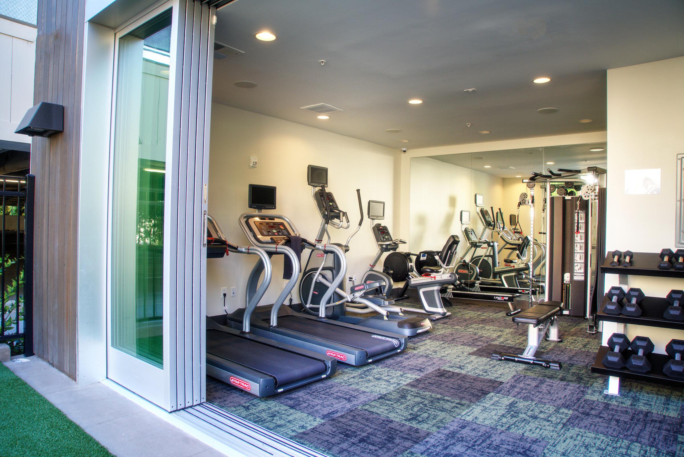 Sharon Green Menlo Park_Clubhouse with Indoor Outdoor Fitness Centerbaa_190926_1702_.jpg