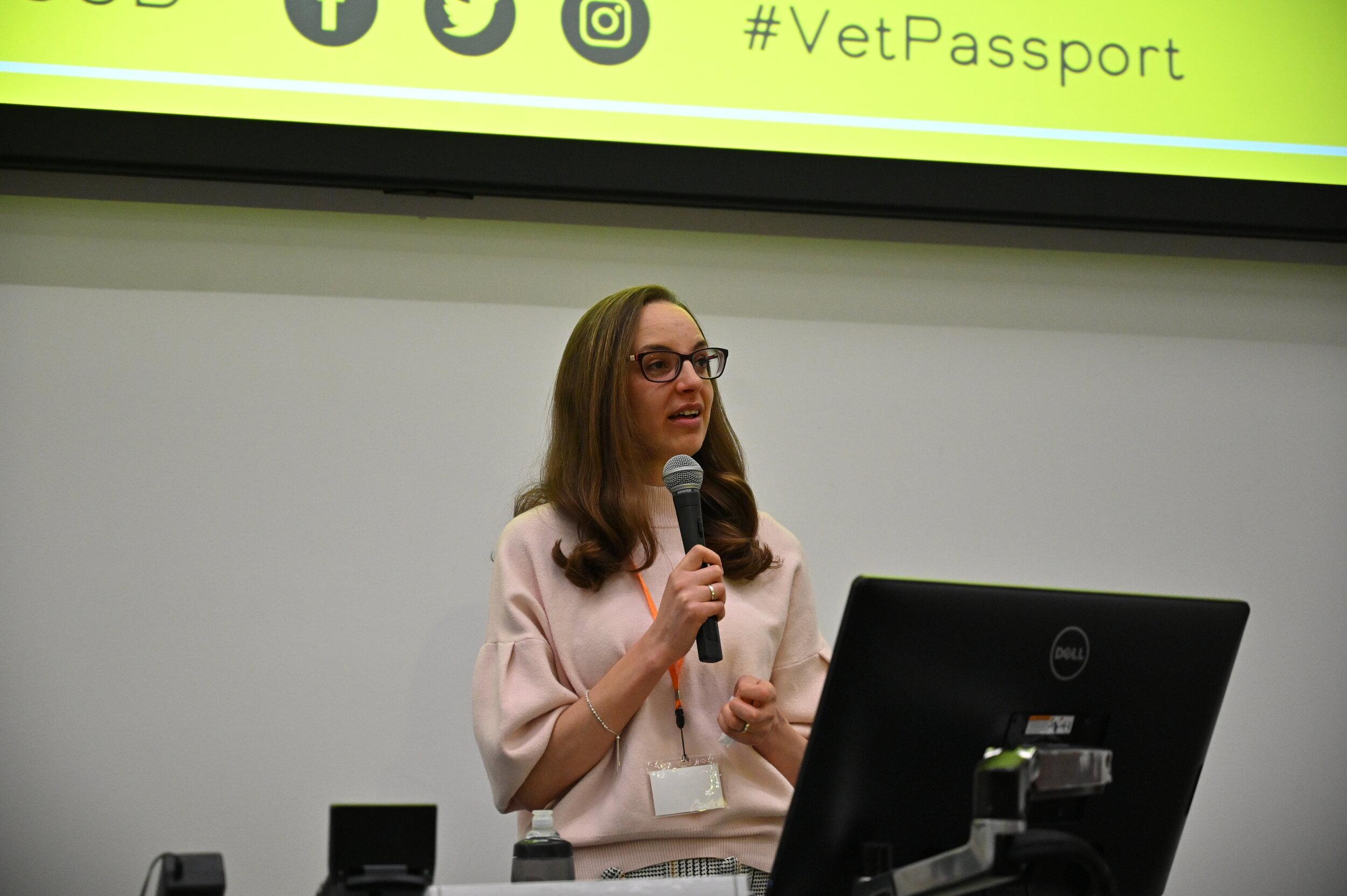 Lizzie Erian presenting at the Vet Passport Roadshow evening with VSGD and SPVS at Surrey Vet School