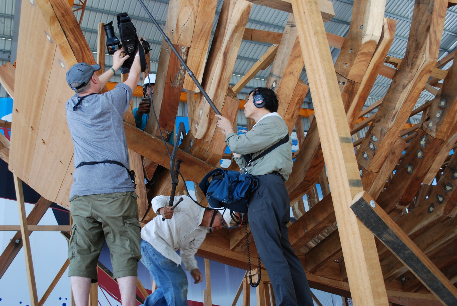 Marc Pingry and Johnson Hu, shooting the junk reconstruction in Tainan, Taiwan