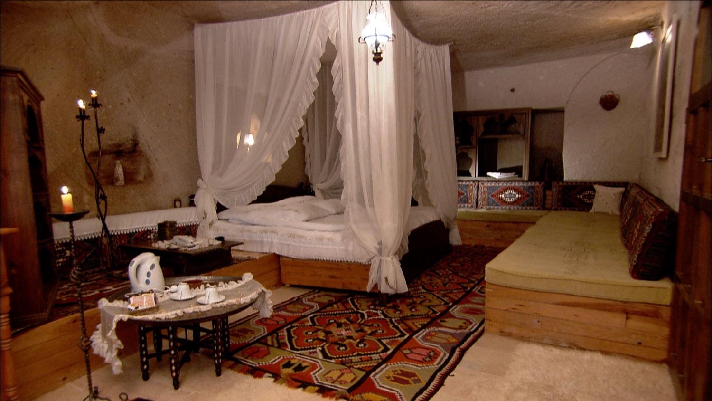 FFOTW_113_cave bed.jpg